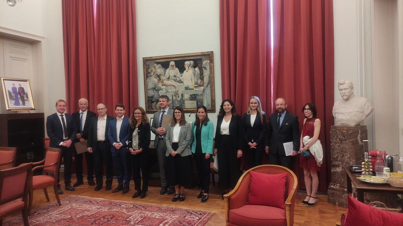 Le Président, Georges Casimir, entouré de quelques lauréat.e.s
